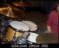 Floor tom mic'ing for live sound-sn852077.jpg