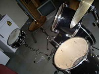 worst drum setup-3n13o53l95t75r05se9blcfc76b2265b11307.jpg