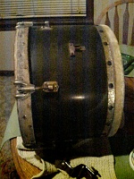 need help identifying old set of drums-560a0910.jpg