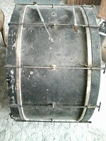 need help identifying old set of drums-560a0918.jpg