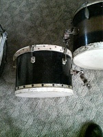 need help identifying old set of drums-560a0922.jpg