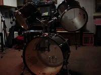 worst drum setup-01150001021201160820080305161c955e53b14b9b7900fd8d.jpg