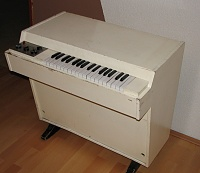 Ebay Sellers Who Don't know How to Pack a Synth Suck-mellotron.jpg