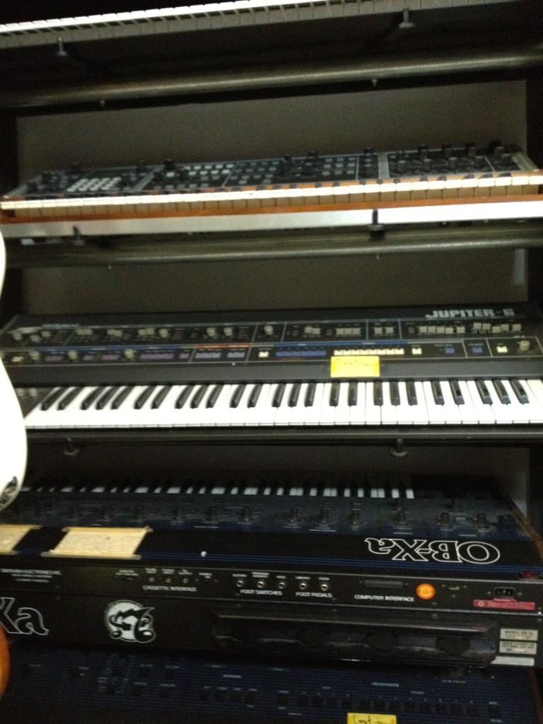 Berlin: Cool instruments/vintage synths stores? - Gearslutz
