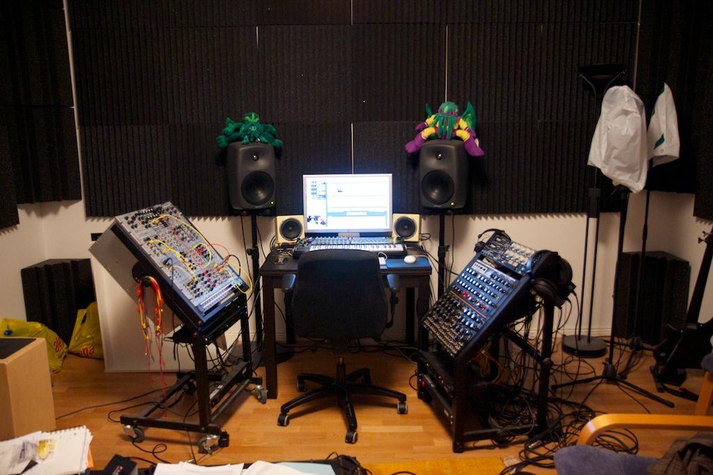 Drum Machine Rack Stands Kraku Studio Jpg
