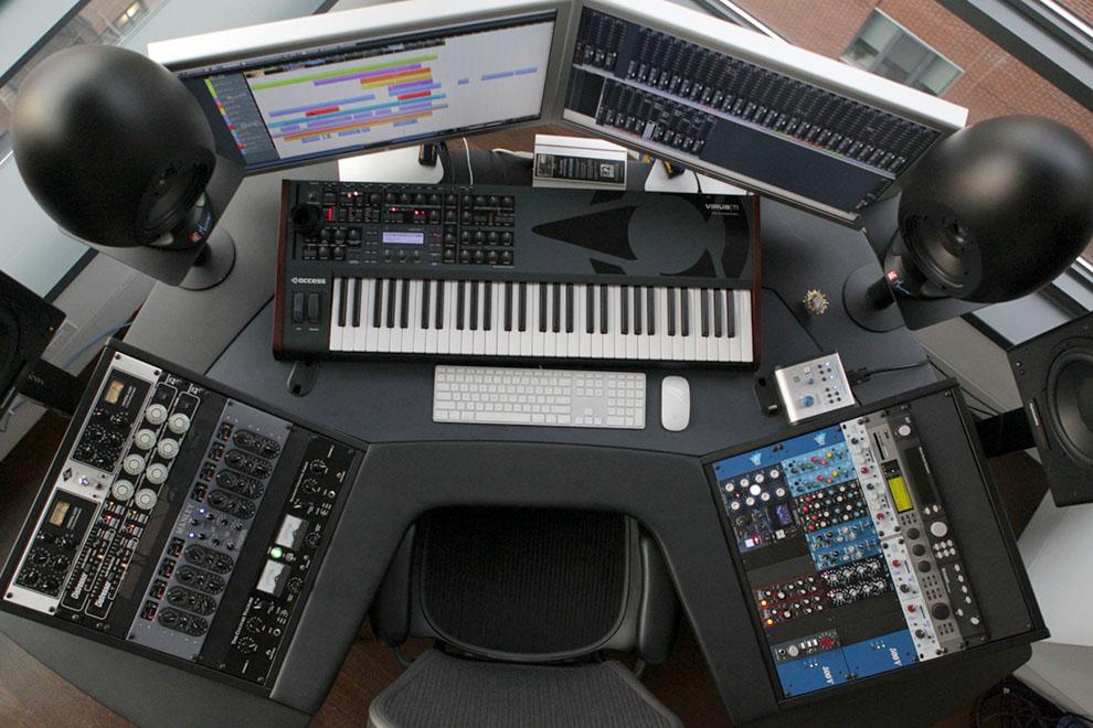 can you identify this studio desk gearslutz pro audio community. Black Bedroom Furniture Sets. Home Design Ideas