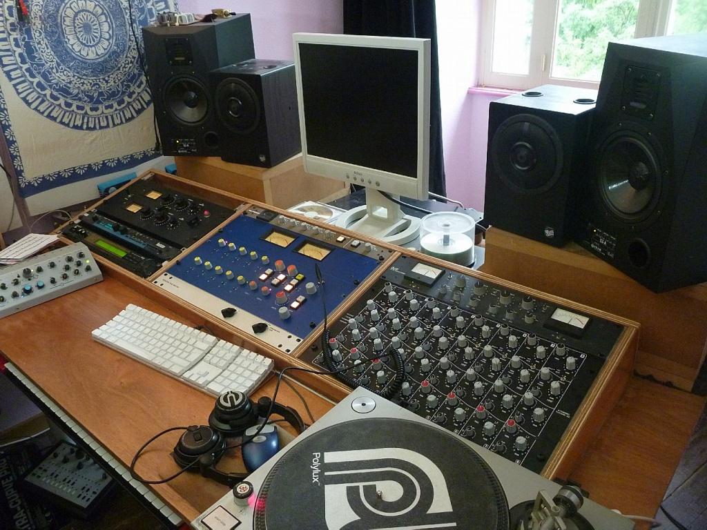 p1030170 jpg my bedroom studio     p1030171 jpg. my bedroom studio       Gearslutz Pro Audio Community