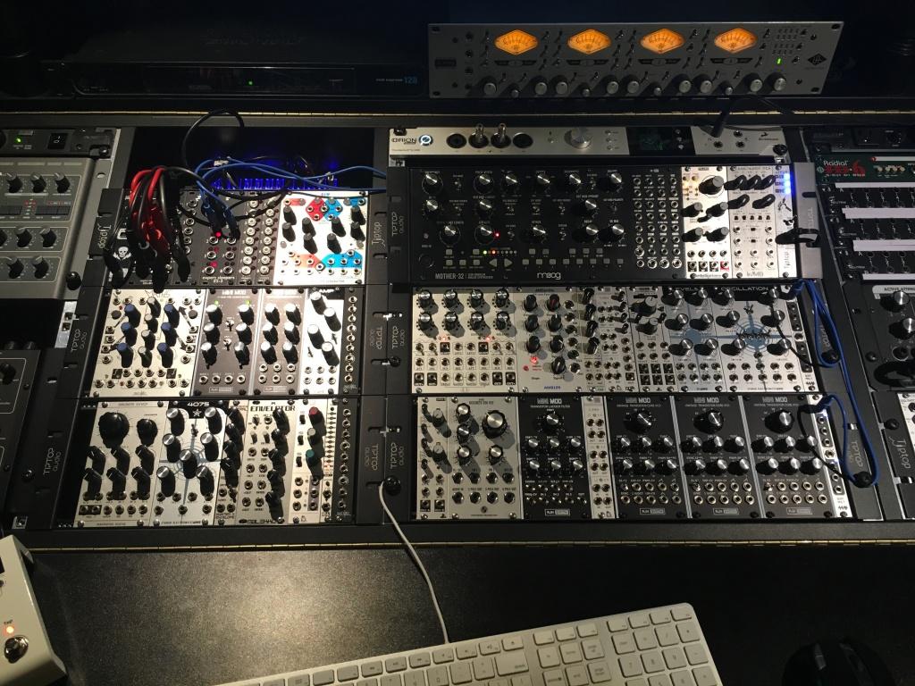 Zaor Miza X2 And Studio Desks Like It Gearslutz Pro