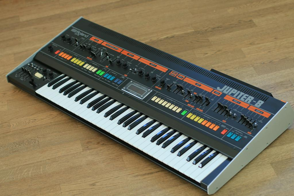 Roland Jupiter 8 roll call (thread for JP8 owners) - Page 8