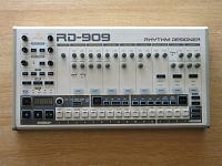 Behringer RD-909 Rhythm Designer-0db8c433-484f-4f94-b084-43ea66c32889.jpg