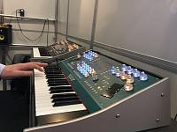 Syntonovo Pan: Biggest sounding synth of the Superbooth?-syntonovo-zijkant.jpg
