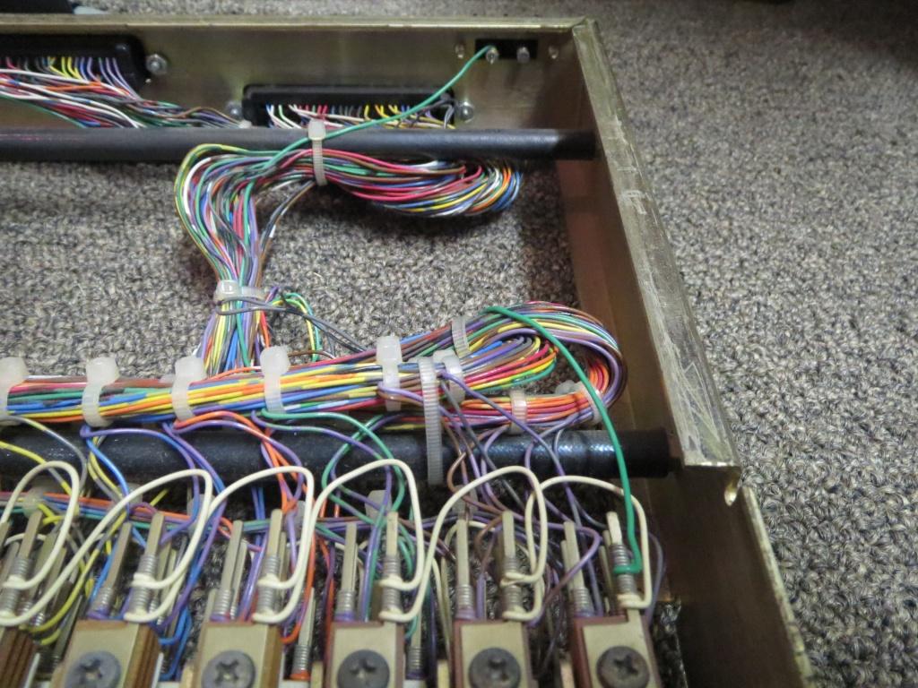 431789d1416882424 patchbay wiring help img_1128 patchbay wiring help gearslutz