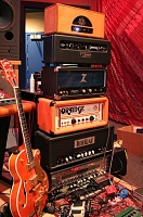 A slutty amp rack pic for you guys!!!-img_0925_2.jpg