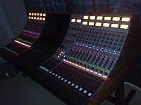 24 channel Wunderbar Console-wunderuplights.jpg