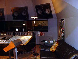 Rock drum tracking session pix - Day 1-8.jpg