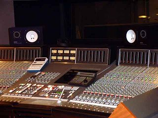 Rock drum tracking session pix - Day 1-11.jpg