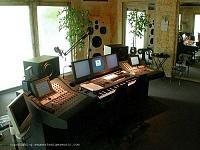 Studio monitors vertical VS horizontal-cretu_studio-1.jpg