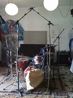 Pictures Of Mic'ed Up Drum Kits In The Studio-moto_0005.jpg