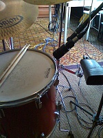 Pictures Of Mic'ed Up Drum Kits In The Studio-moto_0009.jpg