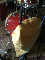 Pictures Of Mic'ed Up Drum Kits In The Studio-moto_0012.jpg