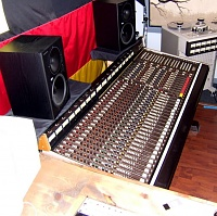 Soundcraft Series 1600 Analog Console???-soundcraft1600.jpg