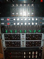 Langevin am-16 or Api 312 as first preamp?-mikesrack-small.jpg