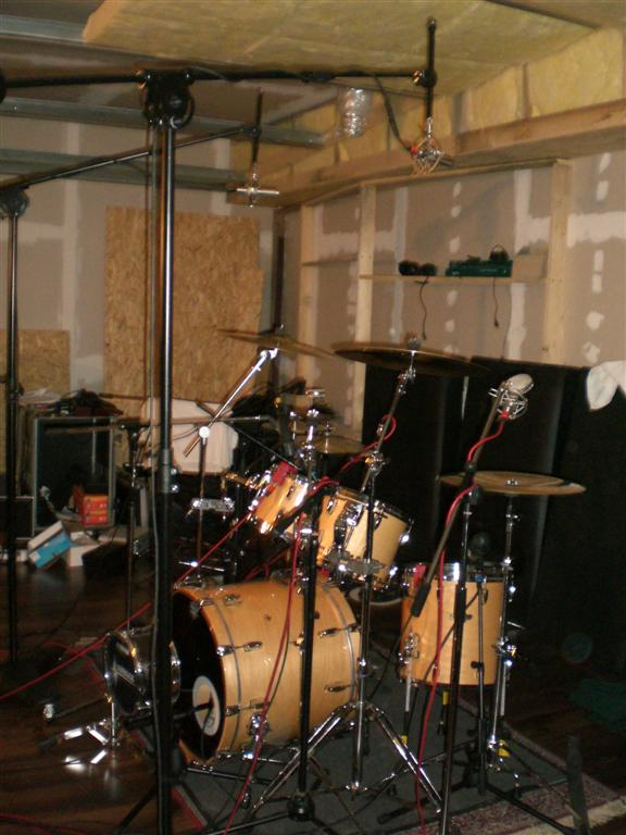 pictures of mic 39 ed up drum kits in the studio page 68 gearslutz. Black Bedroom Furniture Sets. Home Design Ideas