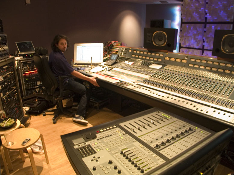 Amazing Mixing On A Custom Neve 8078 Plus Neve Broadcast Console Download Free Architecture Designs Scobabritishbridgeorg