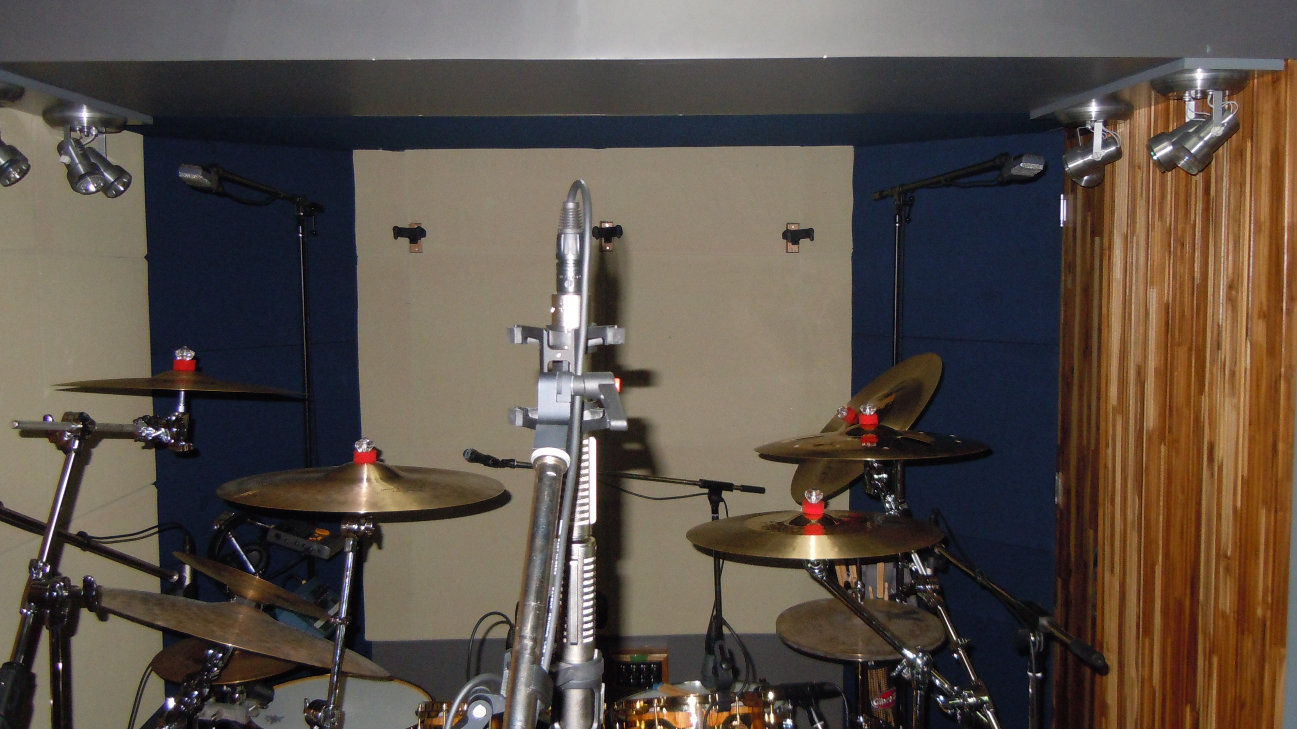Pictures Of Miced Up Drum Kits In The Studio Page 71 Gearslutz Portable Live Sound Setup Pro Audio Community Dscn0189