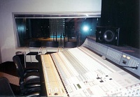 Pictures of various control rooms-9098i-2-1.jpg