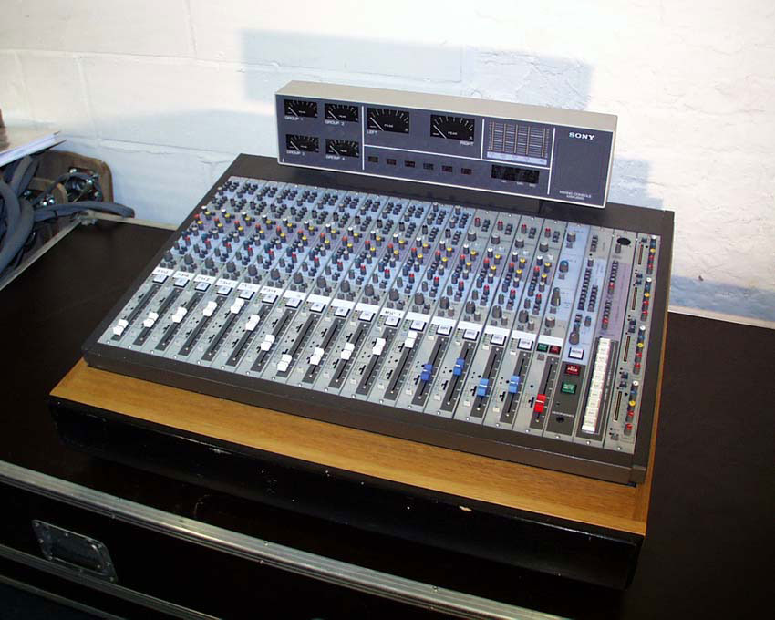 anyone know about the mxp2000 sony analogue mixer. Black Bedroom Furniture Sets. Home Design Ideas
