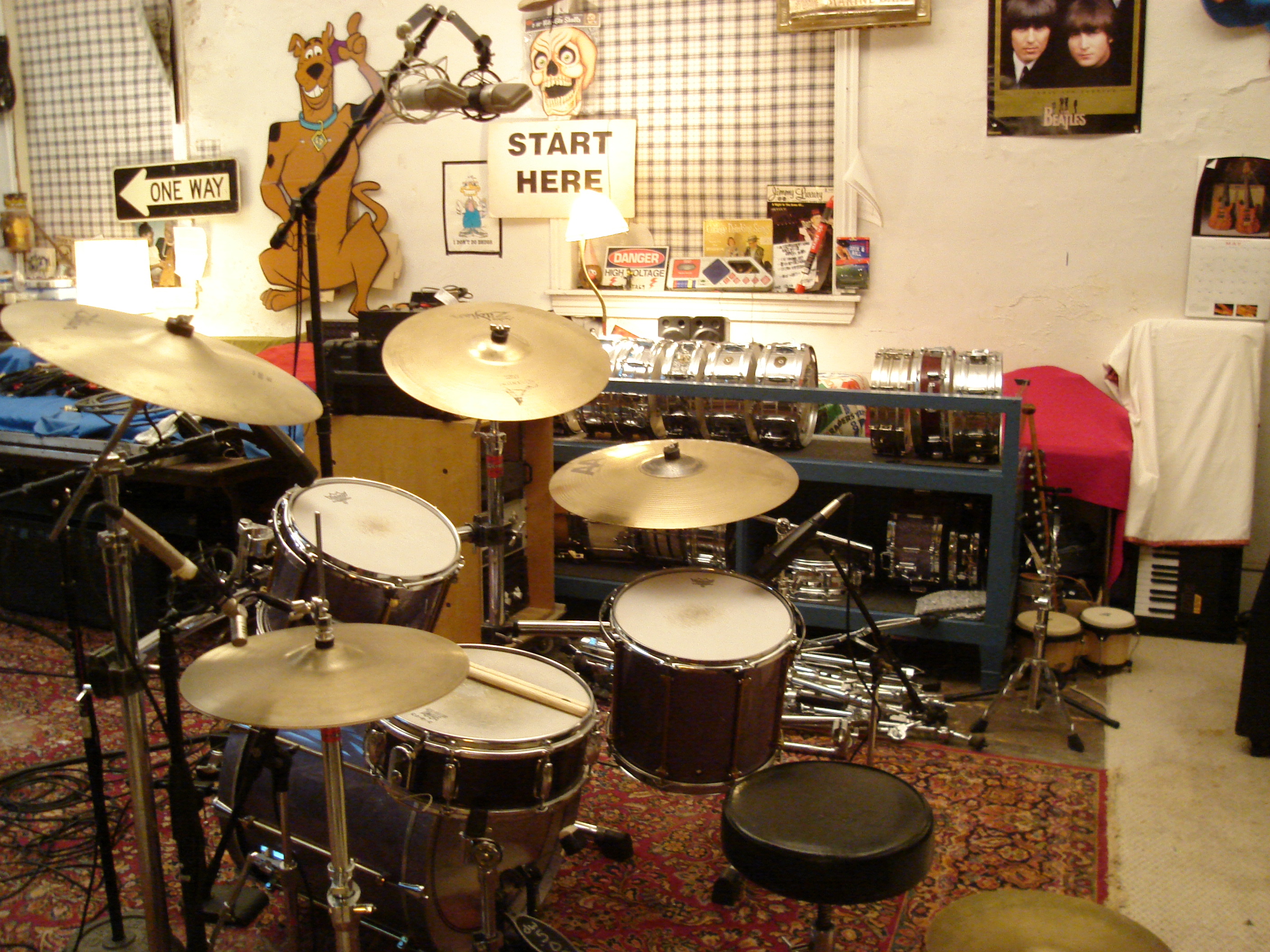 pictures of mic 39 ed up drum kits in the studio page 89 gearslutz pro audio community. Black Bedroom Furniture Sets. Home Design Ideas