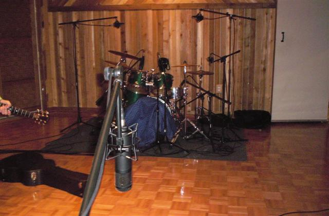 pictures of mic 39 ed up drum kits in the studio page 24 gearslutz pro audio community. Black Bedroom Furniture Sets. Home Design Ideas