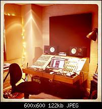 Pictures Of Mic'ed Up Drum Kits In The Studio-tweed-far.jpg