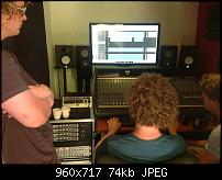 A question to the connaisseurs and experienced engineers about monitors ...-console-speaker.jpg