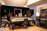 Pictures of various control rooms-zippah_control_rm.jpg