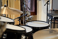 Pictures Of Mic'ed Up Drum Kits In The Studio-mc_drums-9.jpg