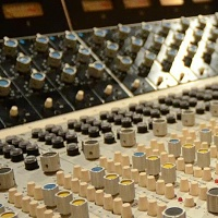 Show me your 70's analog console-image_6387_0.jpg