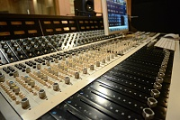 Show me your 70's analog console-image_1220_1.jpg