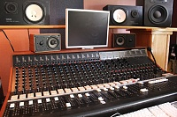 Show me your 70's analog console-img_5142.jpg