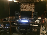 One Room studio setups (NOT bedrooms!)-img_4277.jpg