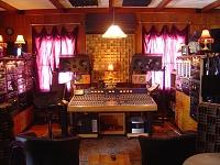 One Room studio setups (NOT bedrooms!)-console-7.jpg