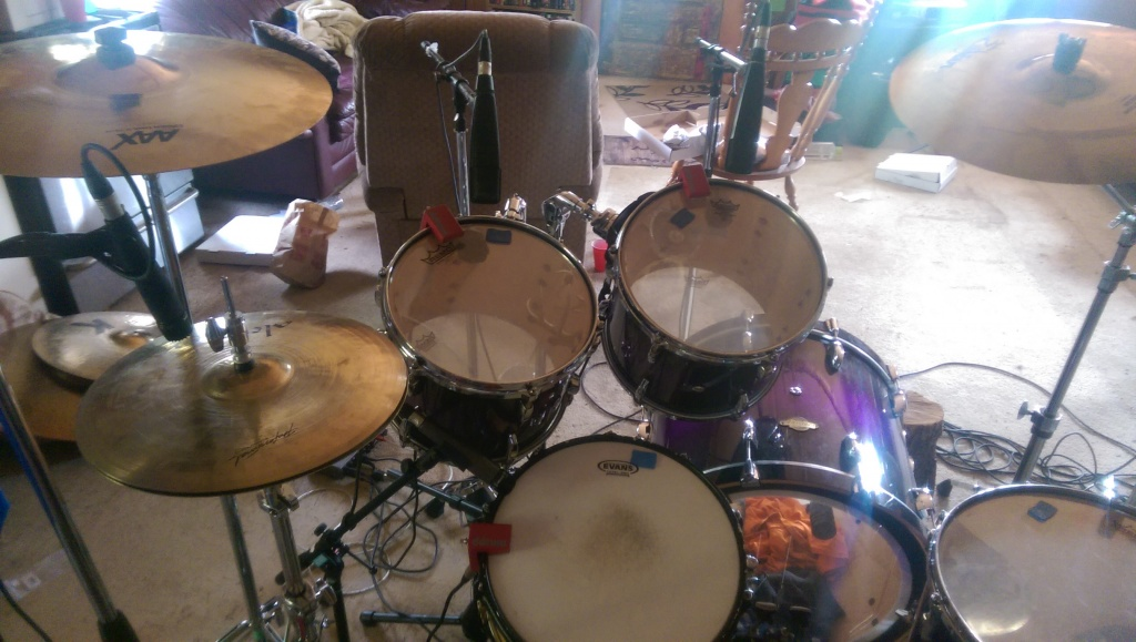 pictures of mic 39 ed up drum kits in the studio page 147 gearslutz pro audio community. Black Bedroom Furniture Sets. Home Design Ideas