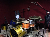Pictures Of Mic'ed Up Drum Kits In The Studio-foto-grabacion.jpg