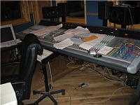 Pictures of various control rooms-messy-desk.jpg