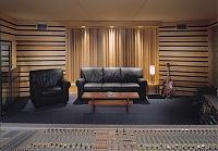 Pictures of various control rooms-empctrl.jpg