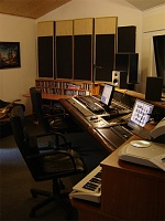 Pictures of various control rooms-room.jpg