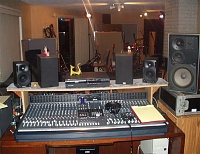 Pictures of various control rooms-console3.jpg