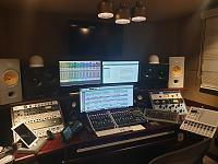 High end gear in a small room.-20181120_164624.jpg