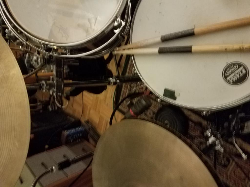 Pictures Of Mic'ed Up Drum Kits In The Studio - Page 163